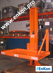 v0690_02_enkon_hydraulic_post_lift_ with_safety_gate